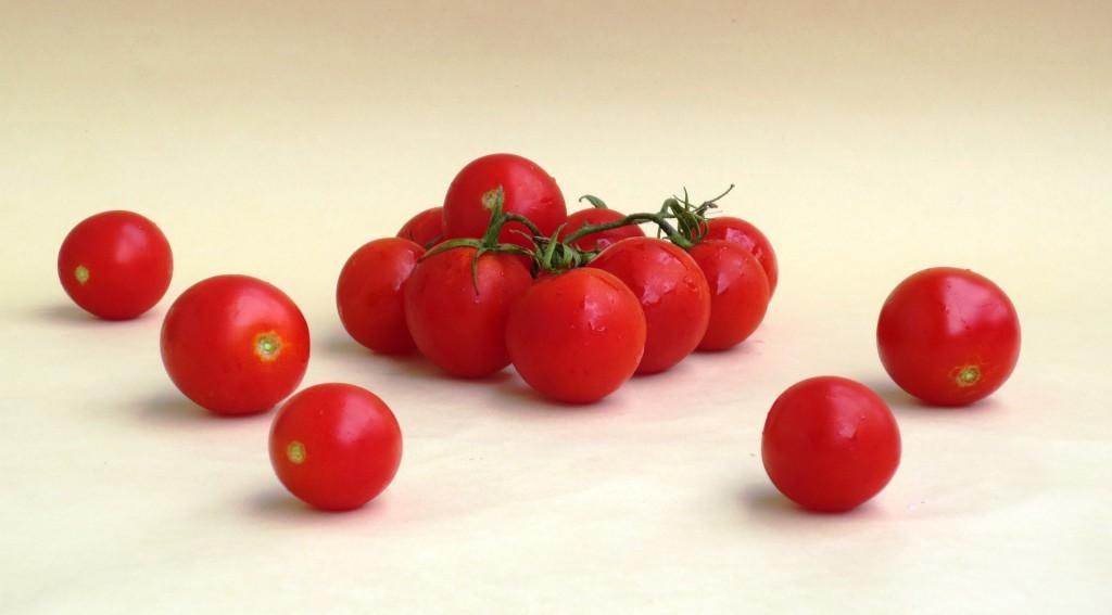 tomato-899090_1920